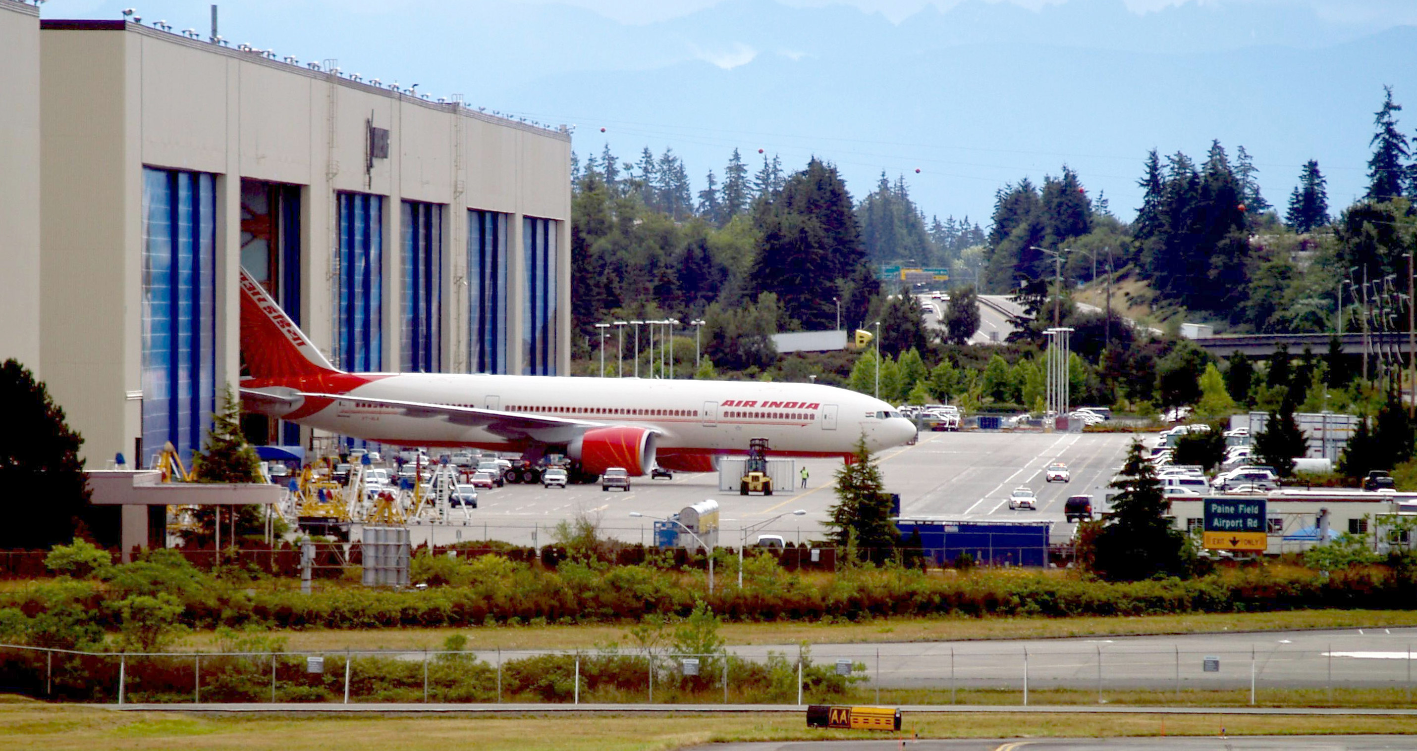air_india_boeing_777-200lr_roll_out_everett_wa